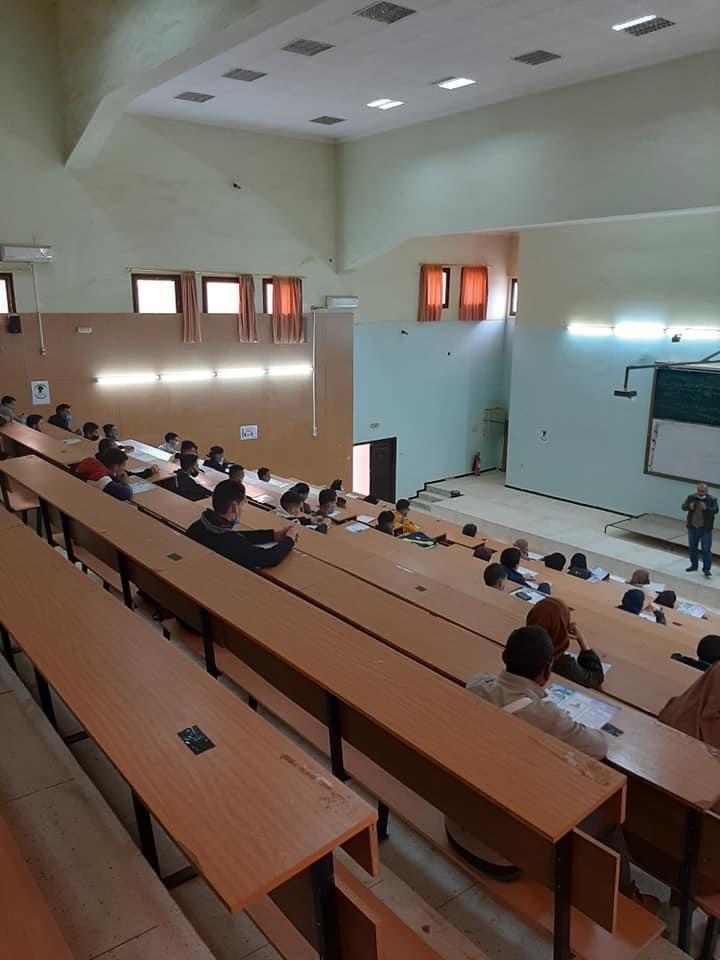 افتتاح الدخول الجامعي بكلية العلوم الاقتصادية والتجارية وعلوم التسيير لطلبة سنة اولى